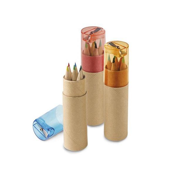 цветни дървени моливи
