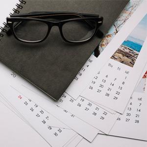 календари и бележници